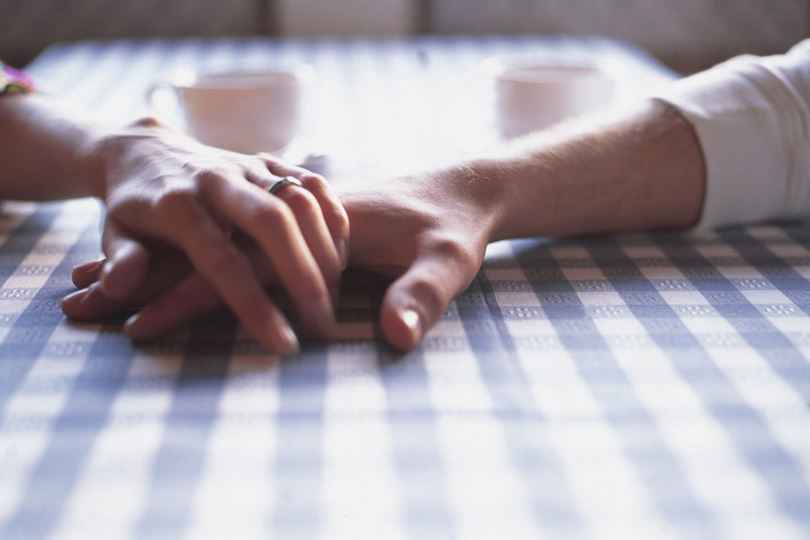المقارنة.. مرض يهدد الحياة الزوجية