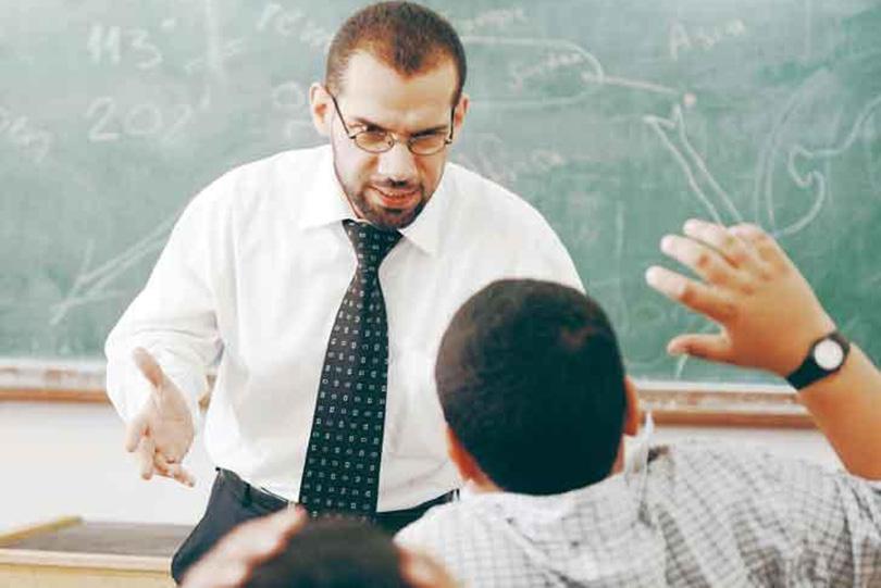 الطالب والأستاذ.. حالة نفور واعتراضات