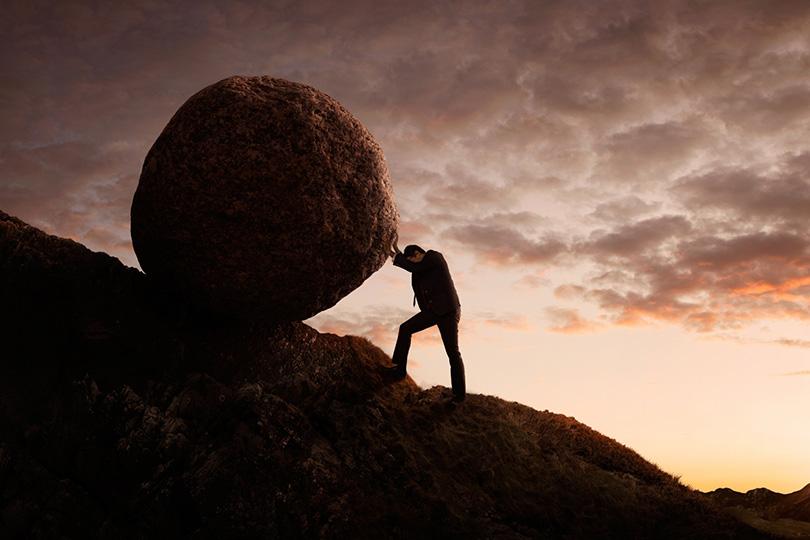 تجاذبات الأفق وصراعات التحدي