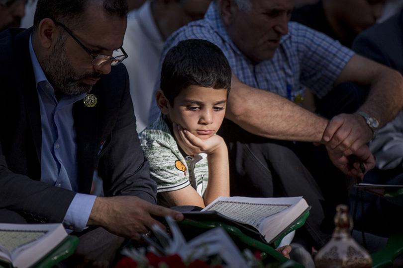 شهر رمضان: مدرسة لتعليم الصبر والأخلاق الحميدة