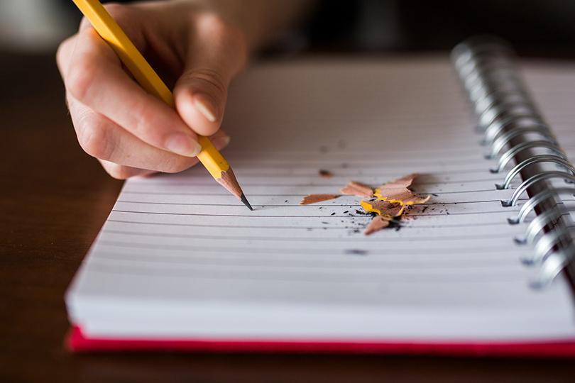 الكتابة.. ملجأ وسلاح