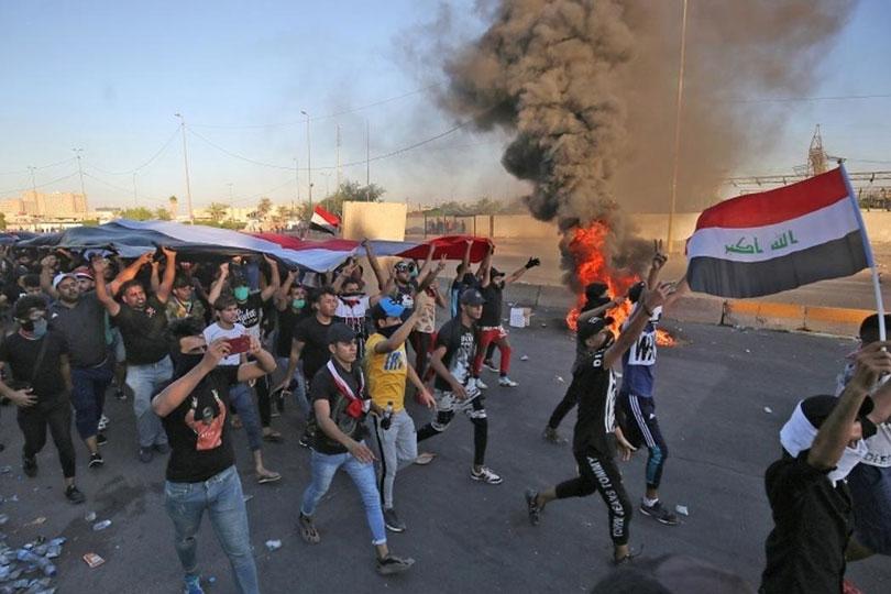 التظاهرات ما بين التهديدات والمعوقات