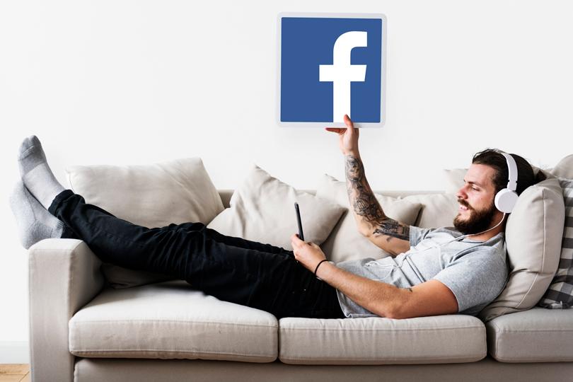 فضاء الفيسبوك.. عالم يغرق رواده بوابل من الوهم