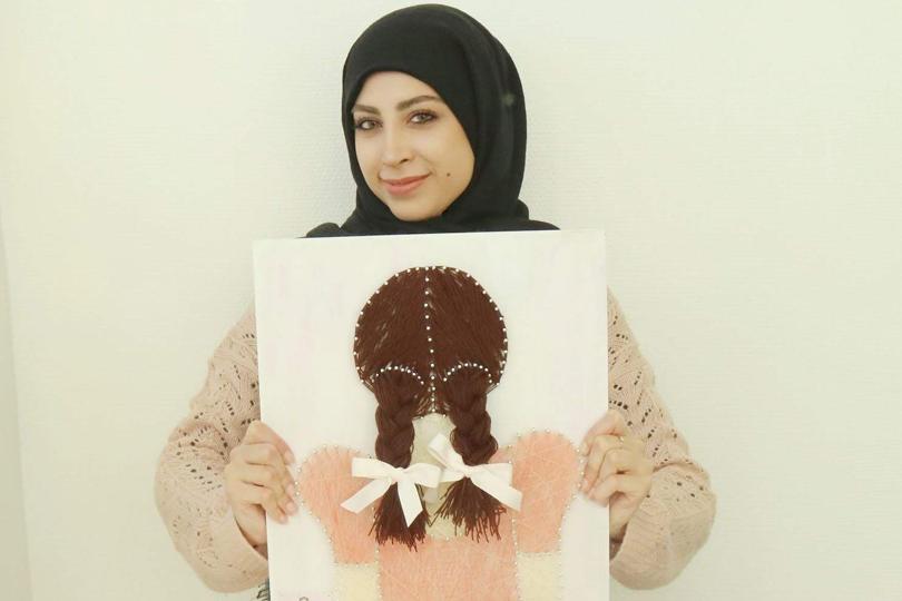 اسراء مهند: فنانة طرزت ابداعها بالخيط والمسمار