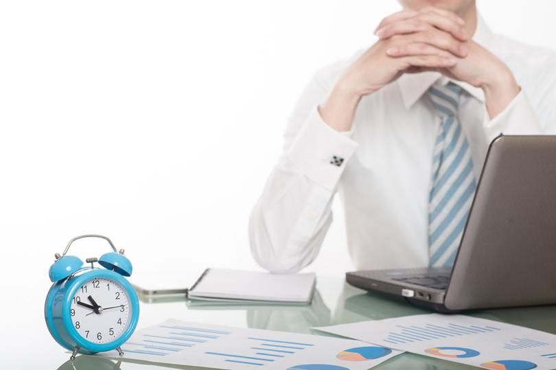 مضيعات الوقت في العمل الاداري: الوقت معلم من لا معلم له