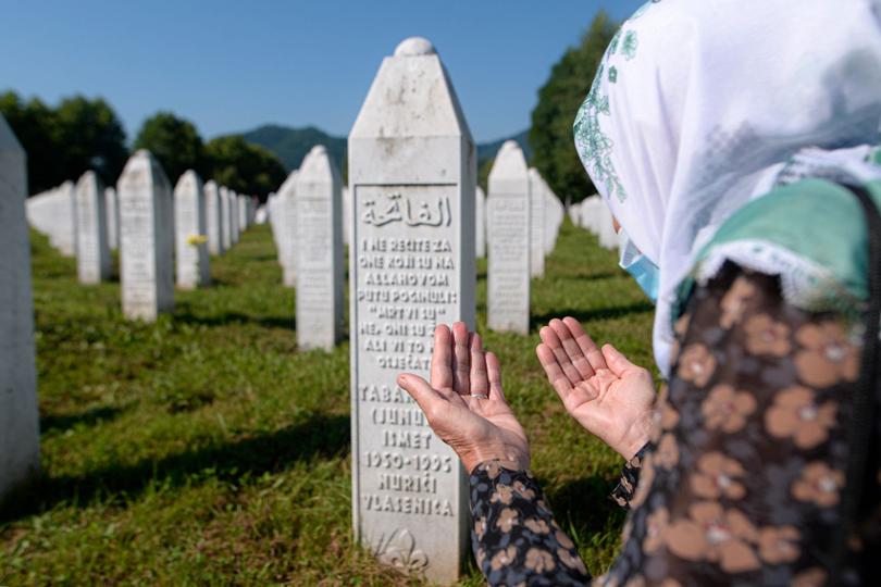 مذبحة سربرنيتسا: واحدة من أسوأ عمليات الإبادة الجماعية في القرن العشرين