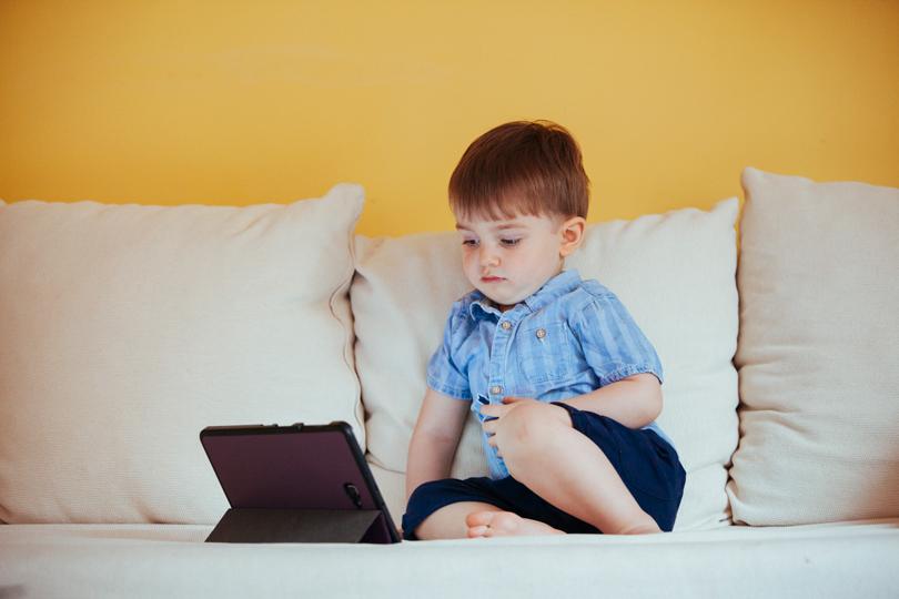ماهو تأثير الرسوم المتحركة على عقول وسلوك الأطفال؟