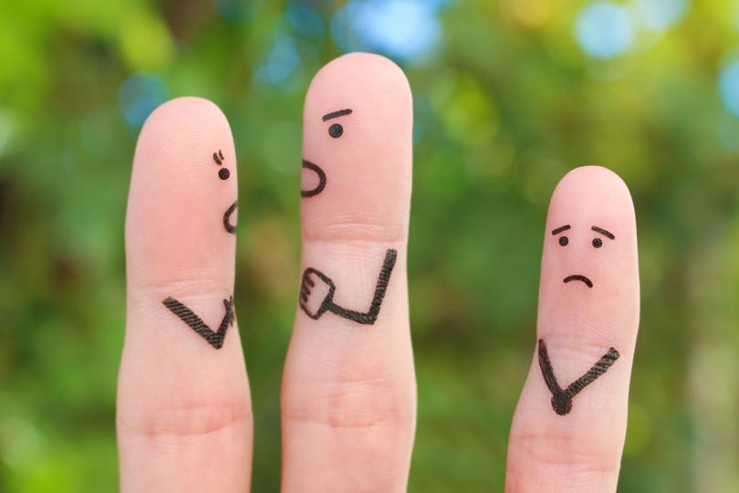 التعنيف والتنمر والجريمة في الأسرة.. بين الأسباب والحلول