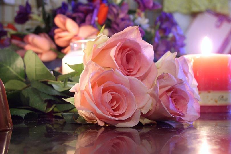 دموع على سفح الورد