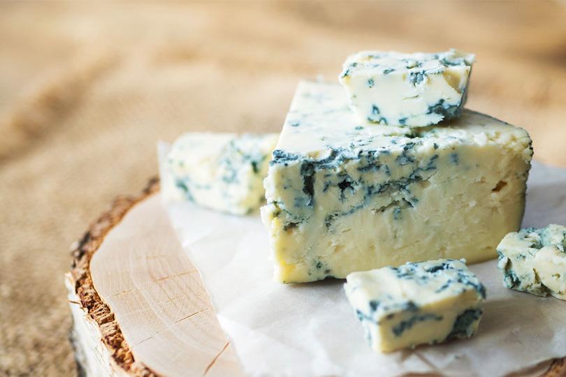 ماذا تعرف عن الجبن الأزرق؟