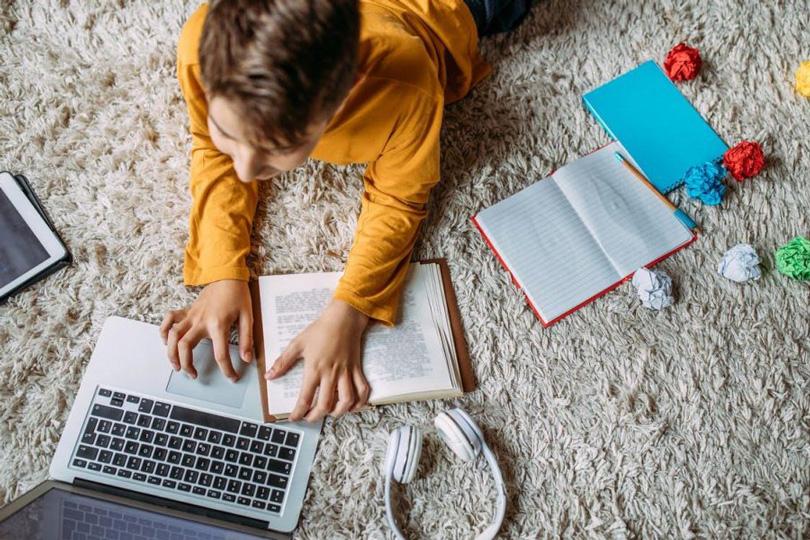 التعليم الإلكتروني وفقاعة الخوف