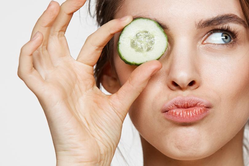 ماهي أفضل الأطعمة للحفاظ على جمال بشرتك؟