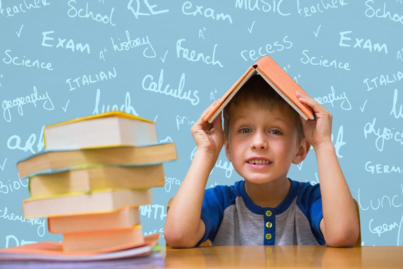 كيف تتعامل مع مشكلة بطء التعلم عند طفلك؟