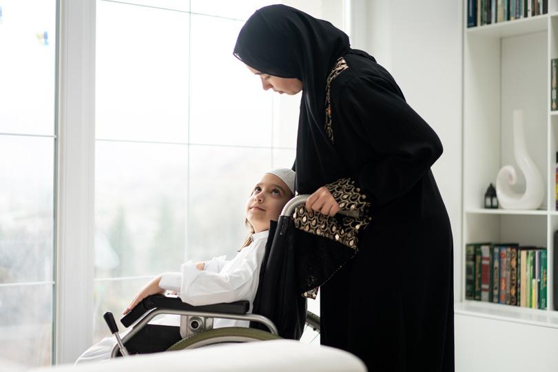ذوي الاحتياجات الخاصة: هوية دخول الأم إلى الجنة
