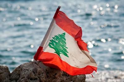 تعرف على زينة عكر.. أول وزيرة دفاع في الوطن العربي
