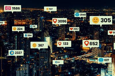 مواقع التواصل الاجتماعي وصناعة الرأي العام.. بين إباحة العقول وتضليل الخبر