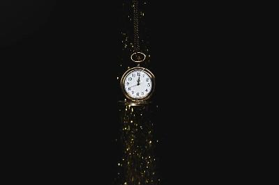 كيف يعمل الوقت وهل الزمن هو البعد الرابع للكون؟