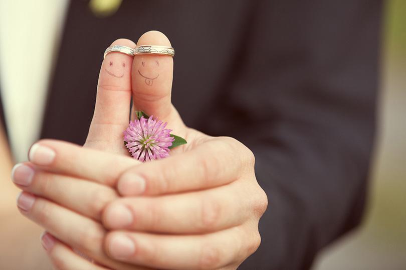 1de0237e73ad6 استطلاع رأي  ما هي عوامل الزواج الناجح؟