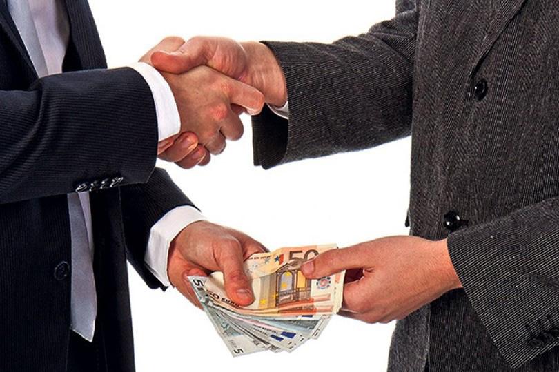 Коррупция подрывает экономику Ирака.