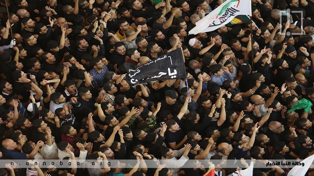 لبيك يا حسين هو نداء التلبية ونصرة الامام الحسين عليه السلام من أبرز هتافات هذا العزاء
