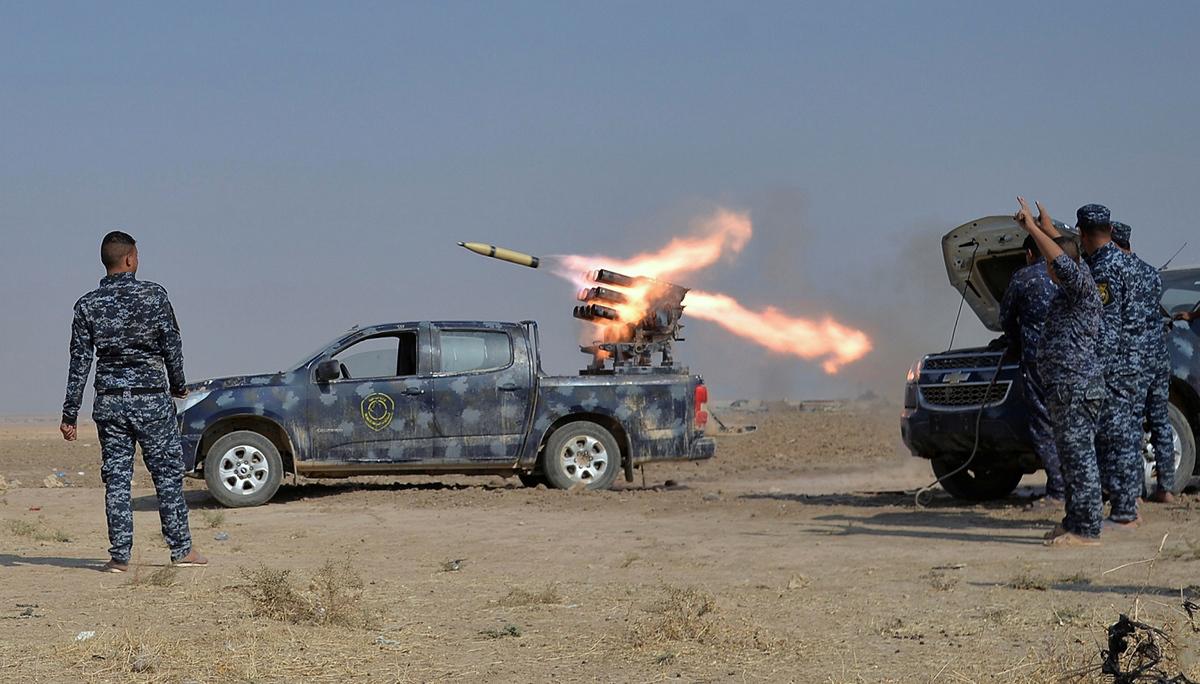 (صورة 3) بدأت العمليات بقصف مدفعي على مواقع الارهابيين