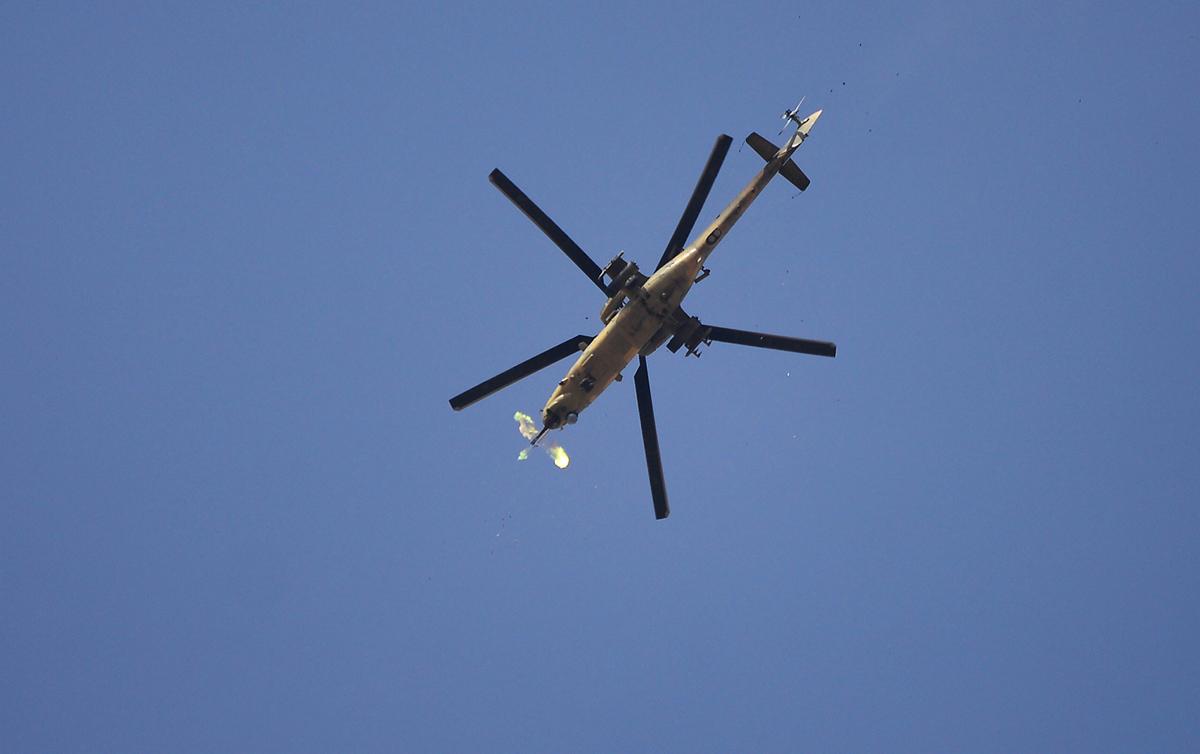 (صورة 6) قام طيران الجيش العراقي عبر مروحياته المختلفة بتوفير غطاء جوي للعمليات وتكبيد الارهابيين خسائر كبيرة بالارواح والمعدات