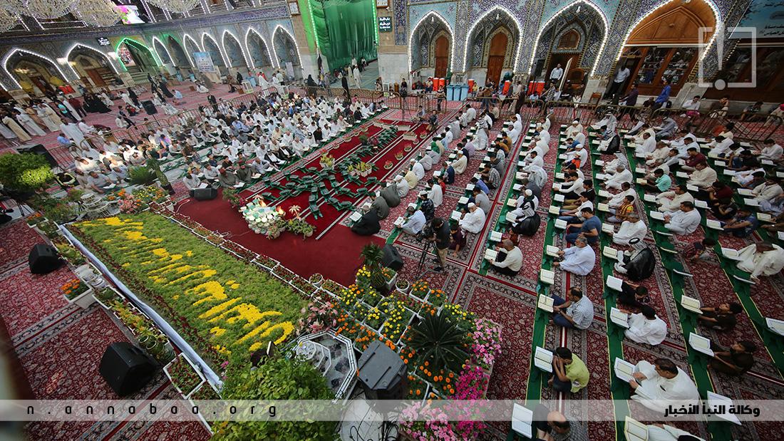 يجتمع المؤمنون في كل عام من شهر رمضان الكريم لقراءة القران الكريم في حرم سيد الشهداء الامام الحسين بن علي (ع) في كربلاء المقدسة
