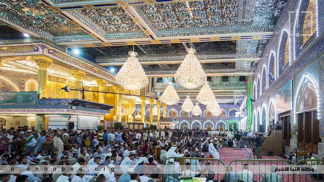 ويحجز المؤمنون اماكن الصلاة والدعاء مقدماً حيث تشهد كربلاء وعتباتها المقدسة في اخر ايام شهر رمضان زحاماً شديداً