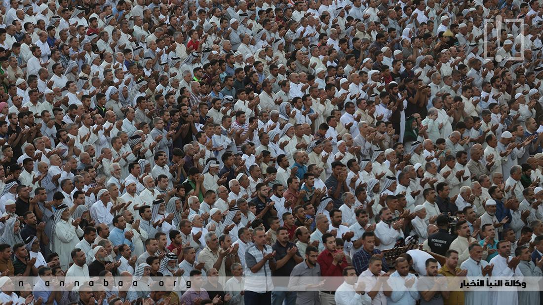 لاف المؤمنين يجتمعون بين الحرمين للمشاركة في دعاء صلاة العيد