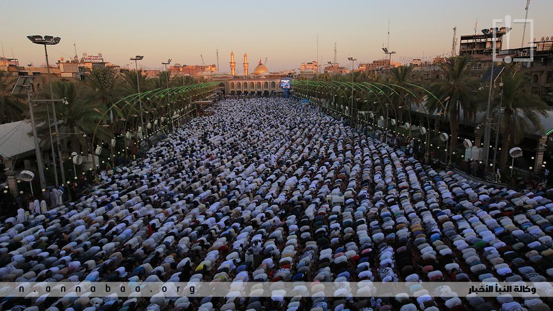 لاف المؤمنين يجتمعون بين الحرمين للمشاركة في صلاة العيد