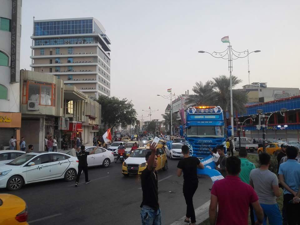 شوارع المدينة تشهد احتفالات منذ ليلة أمس بعد طرد عناصر البيشمركة التابعين لبرزاني