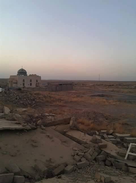 قرية عمار بيت من قرى الحريث من قبيلة طي تم تجريفها من قبل بيشمركة الديمقراطي الكردستاني.