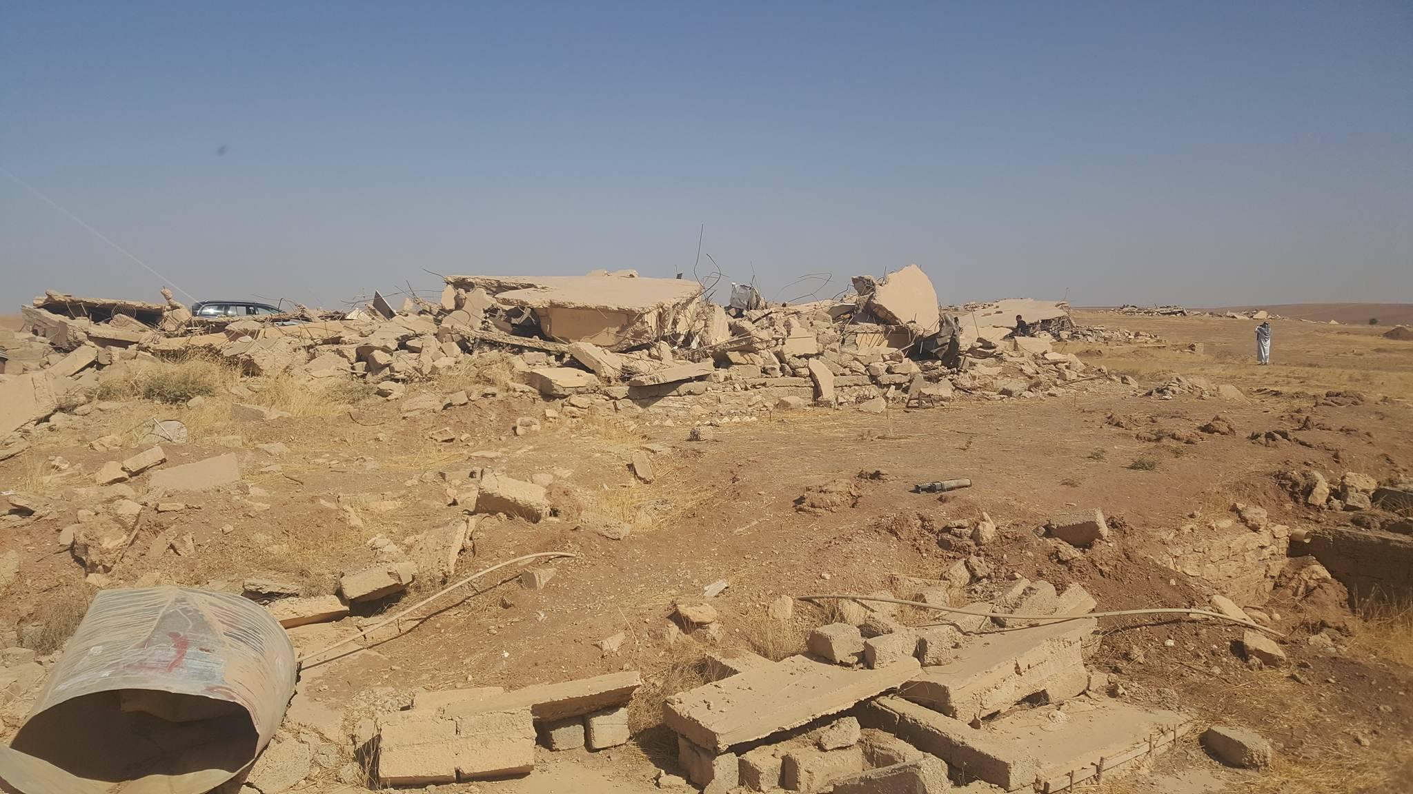قرية سيمحلة على طريق سد الموصل من قرى قبيلة السادة الحديديين تم تجريف القرية بالكامل من قبل بيشمركة البرزاني.