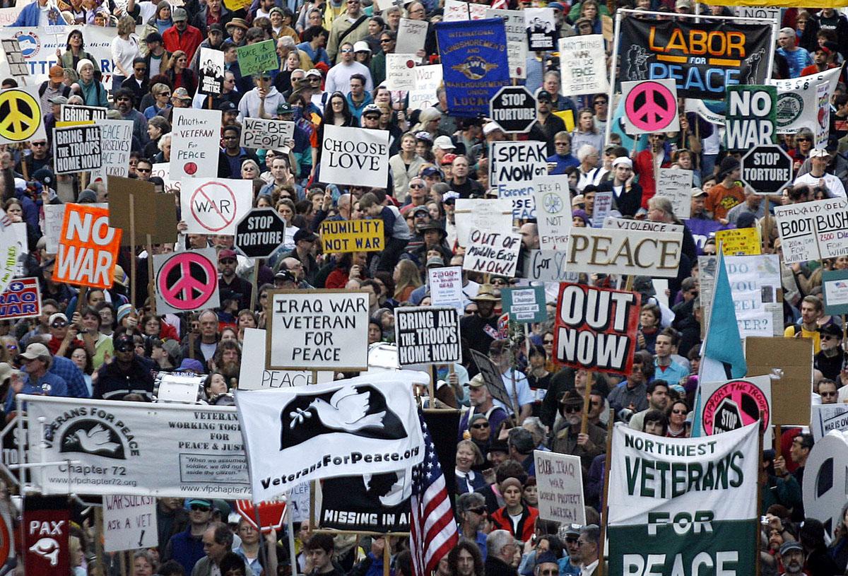 التظاهرات ضد الغزو
