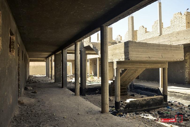 وزارة التربية سبق وان اعلنت عبر مكتبها الإعلامي ان العراق يحتاج الى نحو 9000 مدرسة في عموم العراق لفك ازدواجية وثلاثية الدوام.