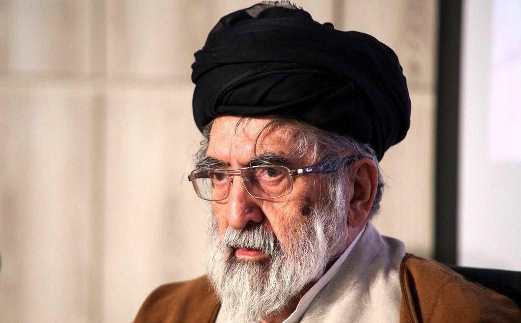 رجل الدين والسياسي البارز هادي خسروشاهي