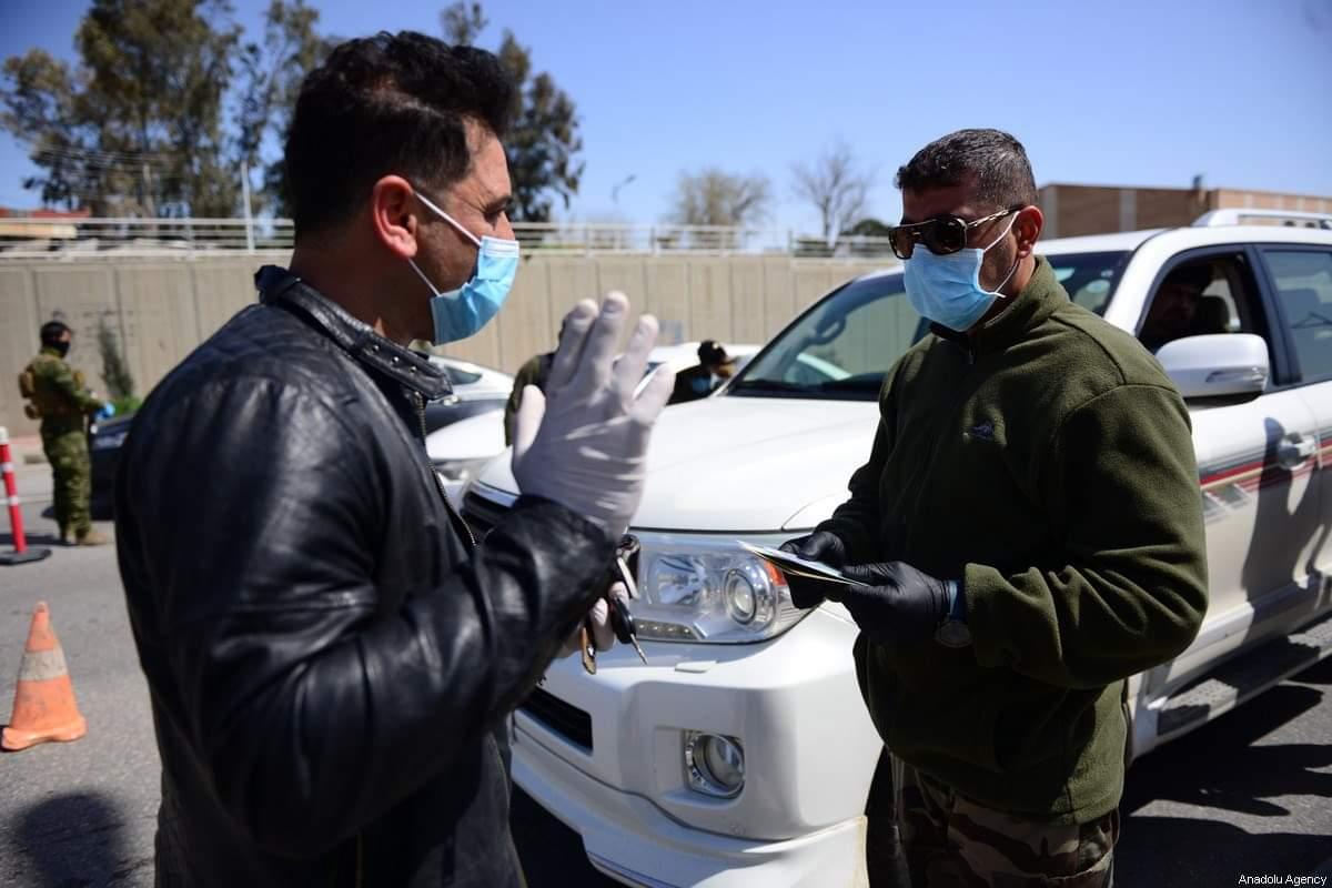تشديد الإجراءات الامنية بعد فرض حضر التجوال في عموم البلاد بعد انتشار جائحة كورونا