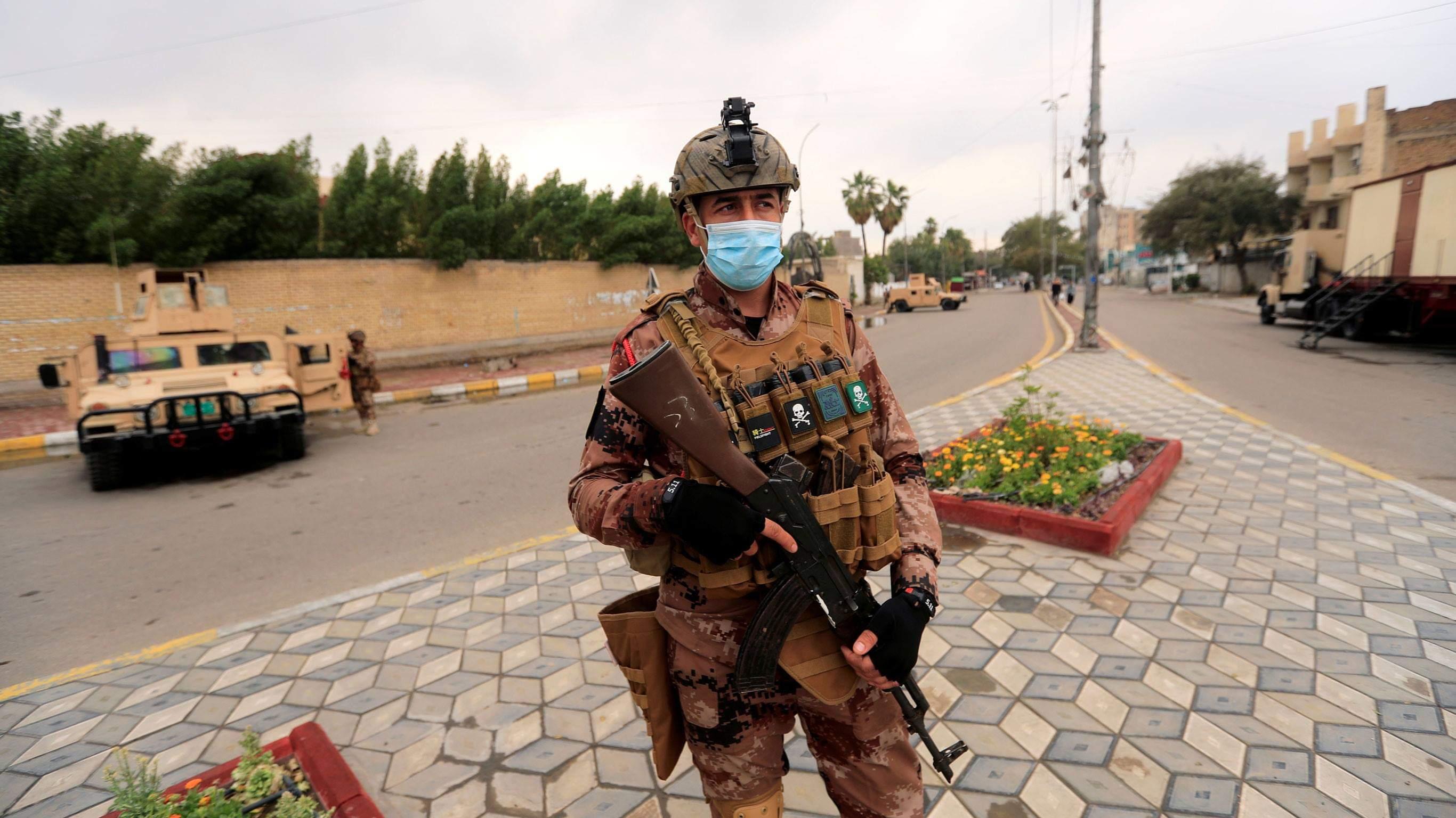 نزلت قوات الجيش العراقي الى الشوارع ونشرت مرابطات للمساهمة بتطبيق حظر التجوال.