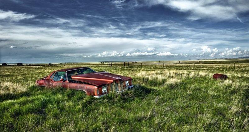 أقدم سيارة صورها على الإطلاق كانت لسيارة فورد من طراز تي، من إنتاج عام 1907. وقد عثر عليها قبالة متحف صغير في مدينة تعدين سابقة في نيفادا.