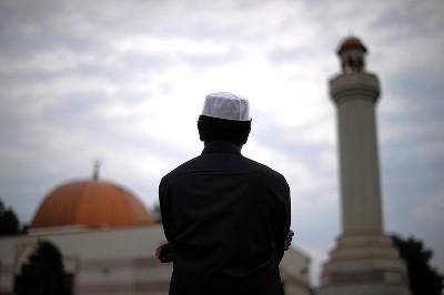 كيف يحافظ المسلم على الخصوصية الثقافية؟