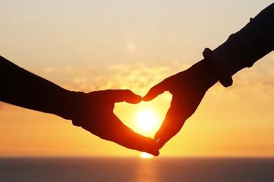 هل للحب تأثير على السعادة؟
