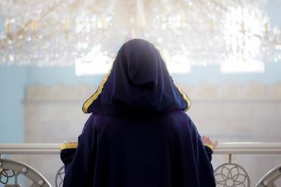 تساؤلات وردود حول نبوة المرأة