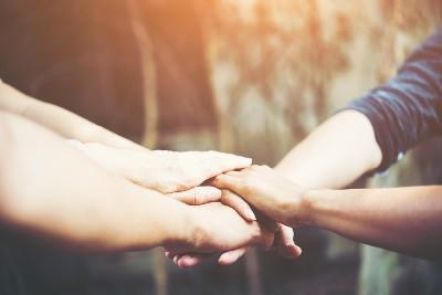 في اليوم العالمي للعمل الإنساني: شكراً.. لمن وقفوا أنفسهم لمساعدة الآخرين