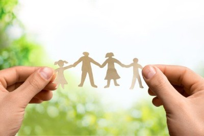 هل للأسرة دور في تحقيق السلام المجتمعي؟