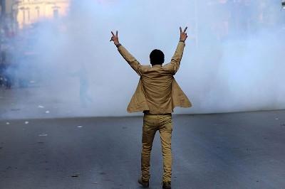 كيف ترتبط الديمقراطية بحقوق الإنسان؟