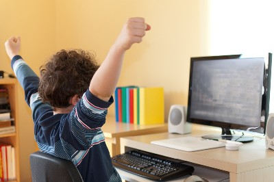 التعليم الالكتروني عن بعد ونصائح للأطفال في التعامل معه