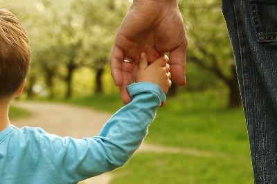 دور الأسرة في تعزيز مفهوم الوطن عند الأطفال